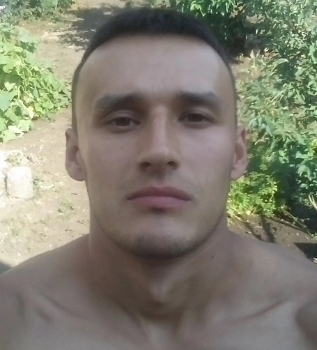 Pavel, 29, Makiyivka