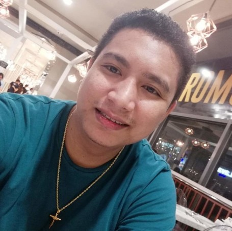 James, 24, Cebu City