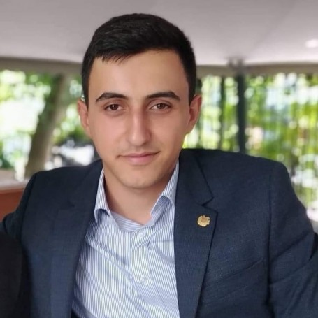 Matos, 22, Abovyan