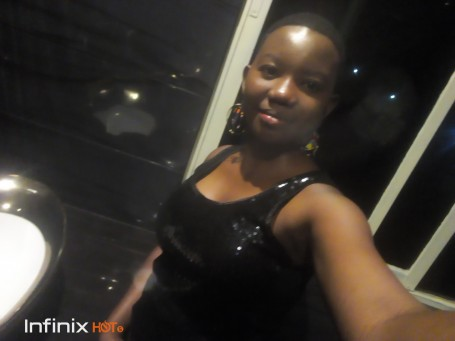 Tracy, 24, Athi River