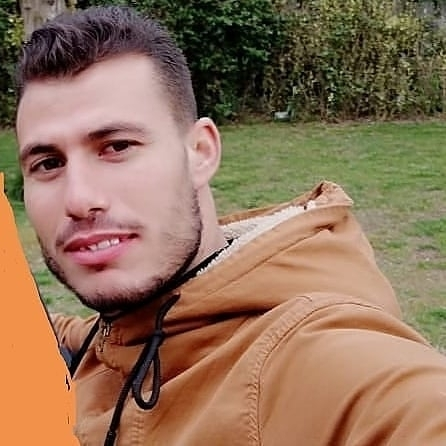Younes, 28, Luxembourg