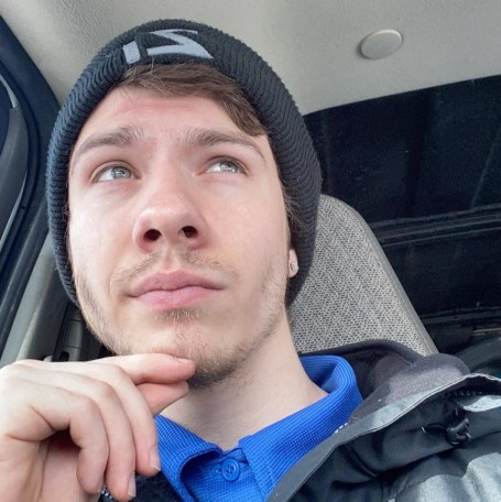 Damian, 25, Maple Grove