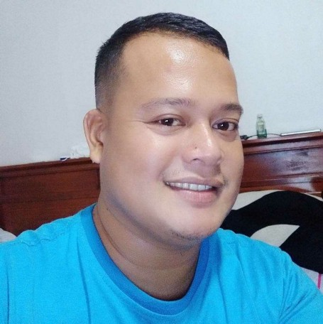 Chris, 29, Quezon City