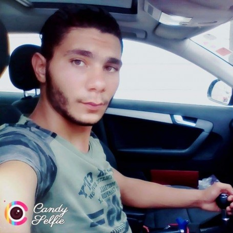 Ahmed, 21, Sousse