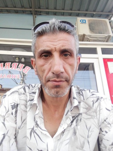 Cemal, 46, Istanbul