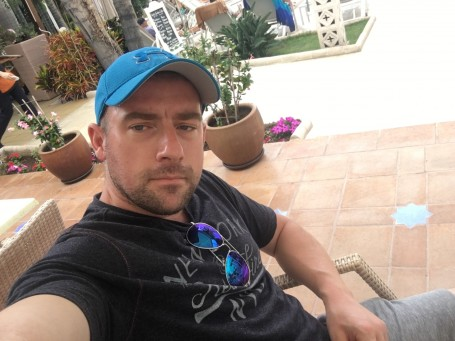 Mike, 40, Rotherham