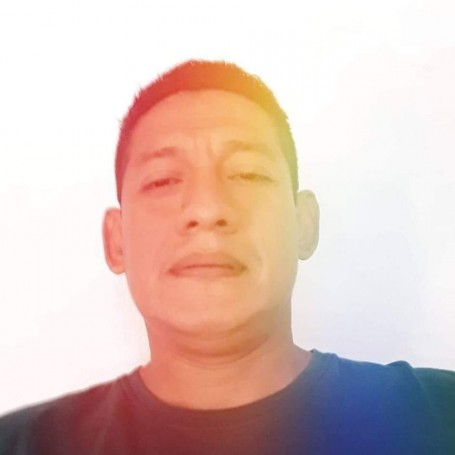 Julio, 41, Guayaquil