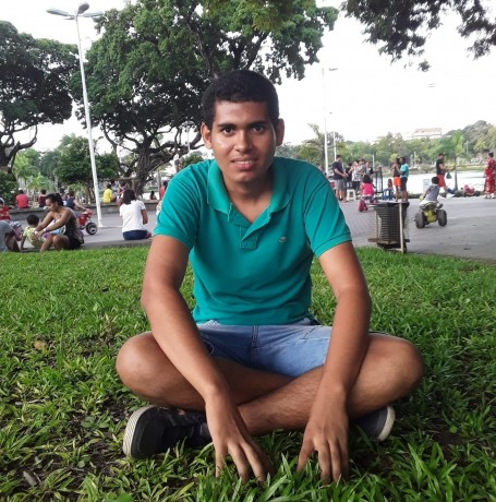 Everton, 18, Juazeiro do Norte