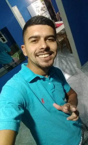 Henrique, 24, Mucurici