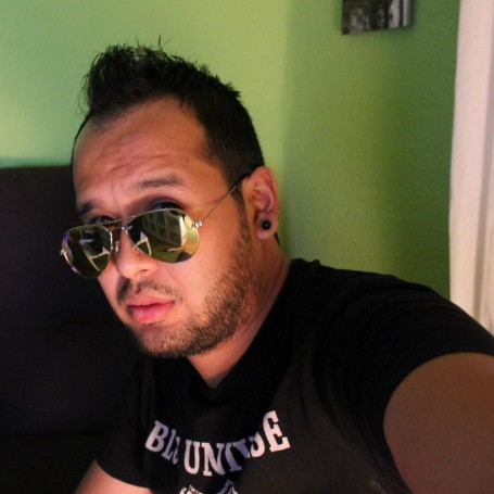 Richard, 32, Poblado Montevideo Chico