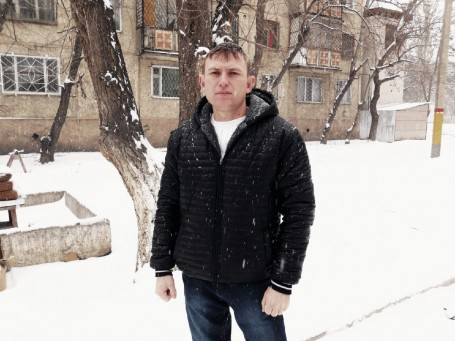 Nikolay, 32, Makinsk