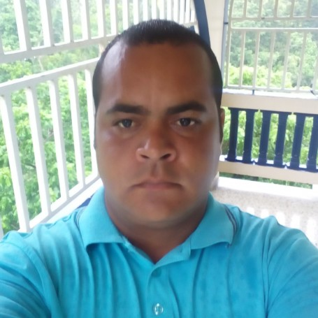 Julio, 36, Luquillo