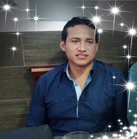 Luis Angel, 32, Machala