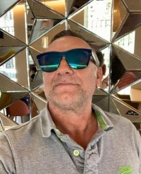 Bismarck, 50, Reston, Virginia, USA