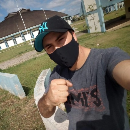 Isaac Couto De Oliveira, 29, Lages