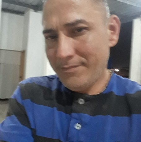 Amado, 43, Guayaquil
