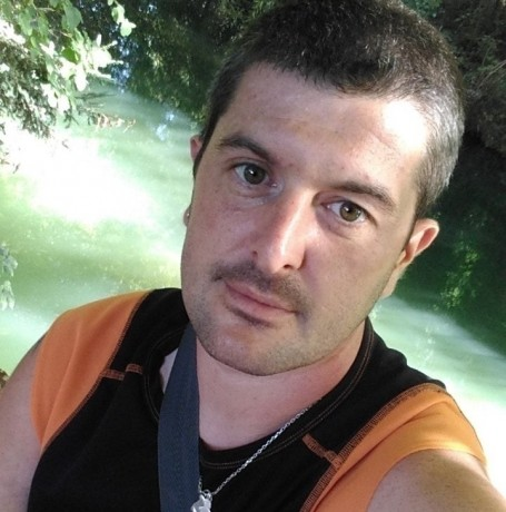 Anthony, 34, Chartres