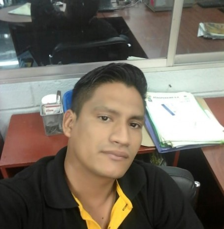 Andres, 34, Guayaquil