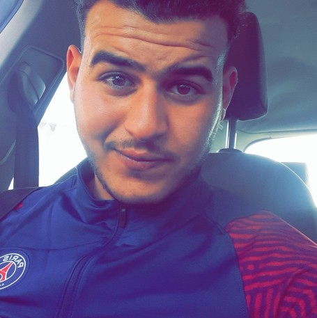 Oussama, 21, Annecy