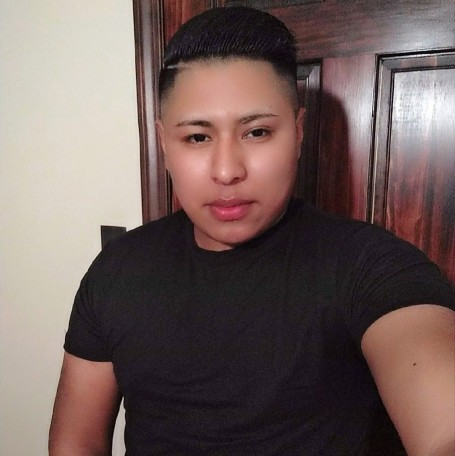 Jeremías, 23, Chicago Heights