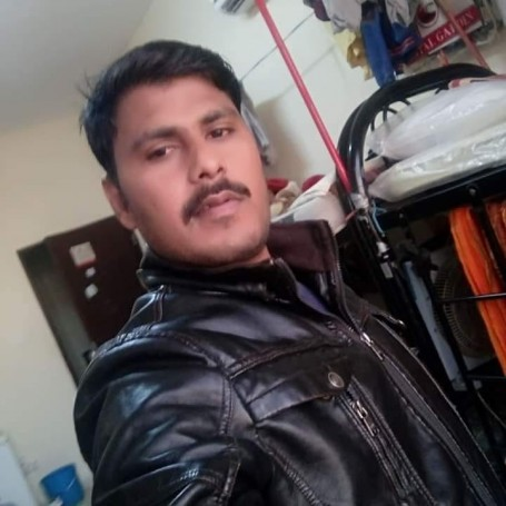 Girish, 34, Colombo