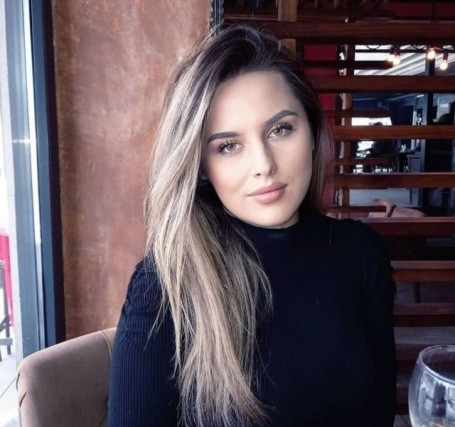 Holly Wilkerson, 24, Istanbul
