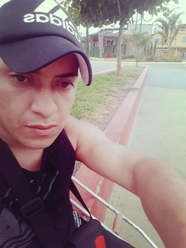 Benito, 25, Guayaquil