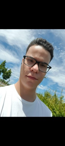 Diogo, 19, Luxembourg
