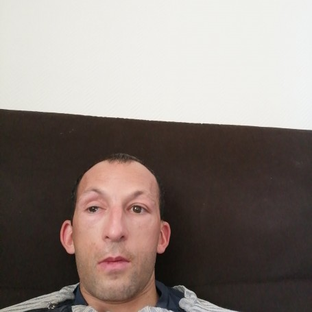 Cyrille, 37, Riscle