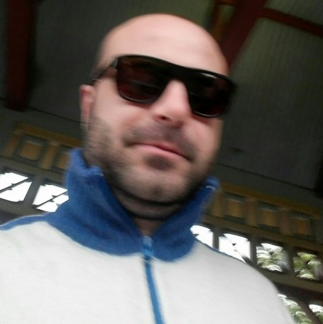 Onise, 36, Linden