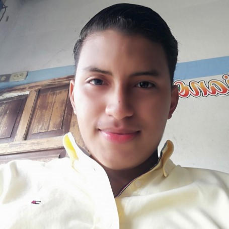 Miguel, 19, Guayaquil