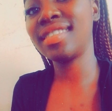 Lydie Carelle, 21, Yaounde