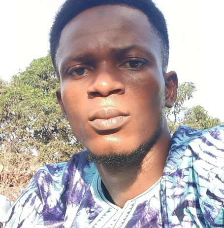Gbow, 33, Conakry