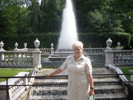 Galina, 67, Saint Petersburg